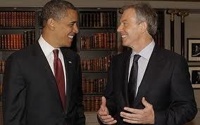 Obama y Blair, sonrisas y libros