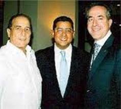 """El expresidente salvadoreño Francisco Flores en Miami junto a los ejecutivos de la FNCA Jorge Mas Santos y José  """"Pepe"""" Hernández"""
