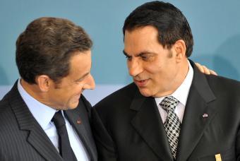 El presidente Nicolas Sarkozy y Ben Ali, en julio de 2008 en París. Foto: AFP