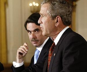 Aznar y Bush, en la Casa Blanca en 2003. Foto: AFP