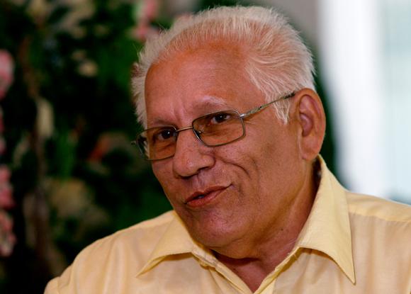 José Manuel Collera Vento es médico pediatra de profesión, graduado en 1970. Pinareño de nacimiento. Hijo de campesinos. Cumplió misión internacionalista en Angola entre 1983 a 1985. Fue directivo de la Gran Logia de Cuba, institución en la cual ocupó distintas responsabilidades a partir de 1975, y llegó a presidirla en el 2000. En el mismo año '75 inició la colaboración con la Seguridad del Estado.