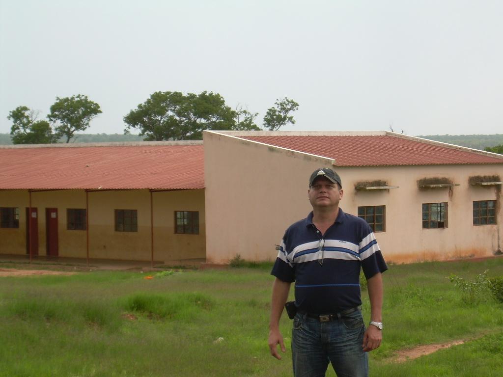 Frente a escuela No 83 Rìo