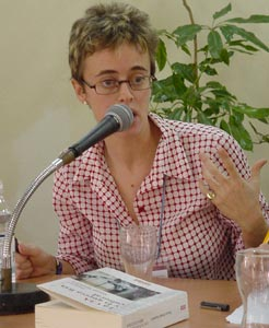 Frances Stonor Saunders en la Feria del Libro de La Habana 2003