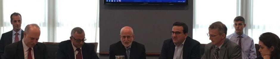 Pedro Monreal en el extremo izquierdo, junto al Director de Cuba Posible, Roberto Veiga.