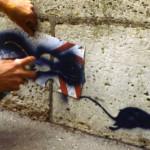 Foto y grafiti de uno de los grandes insipradores de Banksy, el pintor callejero francés Blek Le Rat