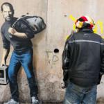 Imagen de Banksy en Calais, Francia, 2015. Fotos Le Monde